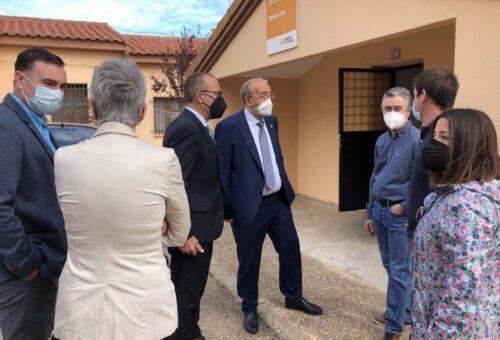 Felipe Faci destaca el empuje de las escuela rural y pone a Argente como ejemplo